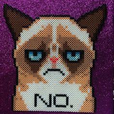 Grumpy Cat perler beads by elscorchocrafts