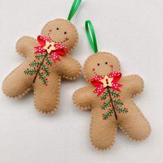 Gingerbread Christmas Decor, Diy Felt Christmas Tree, Felt Christmas Decorations, Christmas Ornament Crafts, Christmas Sewing, Handmade Christmas, Holiday Crafts, Gingerbread Ornaments, Gingerbread Man Decorations