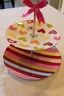 Cupcakes stand how-to with melamine plates.