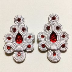 Soutache Jewelry, Beaded Earrings, Handmade Felt, Button Crafts, Beaded Embroidery, Jewelery, Beads, Inspiration, Instagram