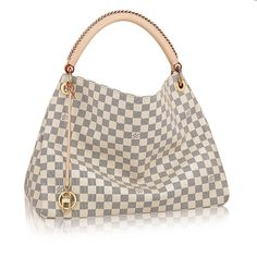 Discover Louis Vuitton Artsy MM: The Artsy MM embodies understated bohemian style. Louis Vuitton& iconic and divinely supple Monogram canvas is enhanced by rich golden color metallic pieces and an exquisite handcrafted leather handle. Louis Vuitton Artsy Mm, Louis Vuitton Online, Louis Vuitton Wallet, Vuitton Bag, Louis Vuitton Handbags, Women's Handbags, Handbags Online, Designer Handbags, Leather Handbags