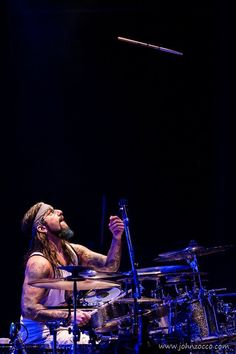 Mike Portnoy of Dream Theater, legendary photo re-taken at Winery Dogs concert, 2015.