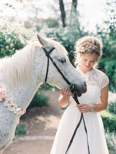 Every bride wants a magical white horse at her wedding right? Such a pretty frock! Wedding love the hairstyle, def one for the books! Horse Wedding, Dream Wedding, Cowgirl Wedding, Chic Wedding, Wedding Bride, Wedding Blog, Wedding Ideas, Wedding Styles, Wedding Photos