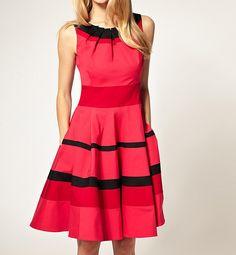 Round Collar Ruffled Stripe Flouncing Sleeveless Women's Dress