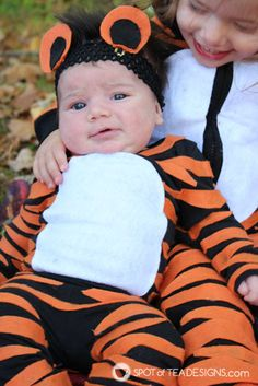 Almost No Sew Kids Tiger Halloween Costumes Tiger Halloween Costume, Belle Halloween, Tiger Costume, Baby Girl Halloween Costumes, Toddler Costumes, Scary Clown Makeup, Scary Clowns, Vintage Circus Party, Vintage Carnival