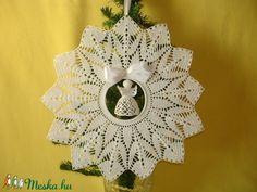 ajtódísz 37 cm Crochet Earrings, Christmas Tree, Holiday Decor, Amigurumi, Teal Christmas Tree, Xmas Trees, Christmas Trees, Xmas Tree
