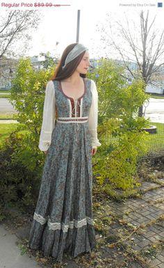SALE Vintage Gunne Sax Dress Blue Floral Prairie Corset Hippie Boho 9