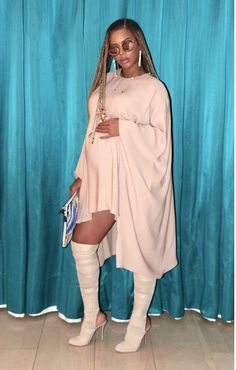 Beyonce Shows Of Growing Baby Bump In New Photos Estilo Beyonce, Beyonce 2013, Beyonce Twin, Beyonce Pregnant, Beyonce Show, Beyonce Style, Beyonce Knowles Carter, Beyonce And Jay Z, Outfit