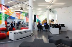 New York's Public Library teen space located in Harlem's landmark Hamilton Grange Branch. Interior Design Colleges, Interior Design Awards, Best Interior Design, Library Furniture Design, Library Design, Space Architecture, School Architecture, Nyc Public Library, Brooklyn Library