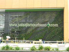 Fachada vegetal en el Centro Comercial Armenia
