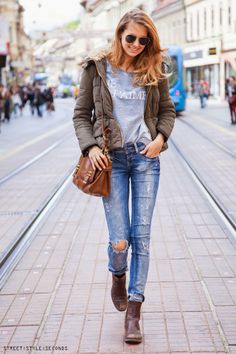 Fashion - dress code: wear basics, photo by Street Style Seconds