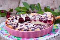 Clafoutis is a rustic baked French dessert of berries or cherries.My clafoutis is a winner: Not too sweet, fragrant and totally gluten-free-friendly Desserts Français, Cherry Desserts, Dessert Recipes, Clafoutis Recipes, Classic French Desserts, Cherry Clafoutis, Romanian Desserts, Chocolate Topping, Cherry Tart