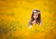 "There's something dreamy, almost otherworldly about the portraits captured by Nevada-based photographer Lisa Holloway; and that, it seems, is exactly as she intended. ""I want to try to bring a . Girl Photography, Children Photography, Photography Classes, Photography Degree, Photography Backdrops, Photography Hashtags, Photography Flowers, Photography Ideas, Lisa Holloway"