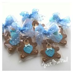 biscotti decorati con pasta di zucchero Baby Shower Cakes, Baby Boy Shower, Teddy Bear Cakes, Cupcake Cookies, Rose, Confetti, Modeling, Kids, Inspiration