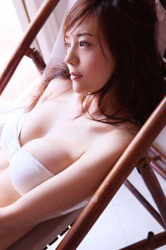 Cica Zhou Wei Tong (周伟童) from Guizhou, China - Lenglui Beautiful Asian Girls, Beautiful Women, Girl Photos, Asian Woman, Female Bodies, Bikini Girls, Asian Beauty, Supermodels, Cute Girls