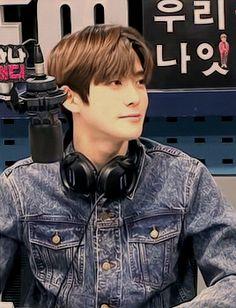 Jaehyun As - Sahabat Disney Princes, Jung Jaehyun, Jaehyun Nct, Kpop Guys, Birthday Month, Korean Men, Read News, Taeyong, Nct Dream