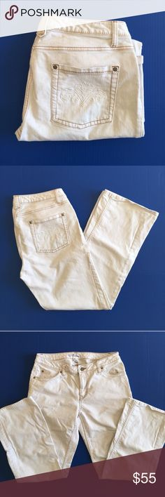 """CAbi Cream Straight Leg Jeans Add something different to your Jeancollection.  These cream jeans are perfect all year round.  Material:  98% Cotton/2% Spandex.  Measurements:  Length - 28""""/Waist - 16.5""""/Inseam - 30""""/Rise -9"""" CAbi Jeans Straight Leg"""