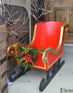 Woodworking Patterns DIY Santa Sleigh with free pattern. - Build a cheery DIY Santa's Sleigh out of plywood for your Christmas decor. Fill the sleigh with presents of use as a photo prop. Christmas Sled, Christmas Yard Art, Christmas Wood Crafts, Outdoor Christmas Decorations, Homemade Christmas, Rustic Christmas, Christmas Projects, Christmas Holidays, Christmas Stuff