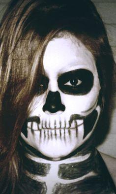 Halloween Skull Makeup #makeup #skullmakeup #skullinspiration #skull #halloweencostume #halloween #halloween2017 #halloweenmakeup