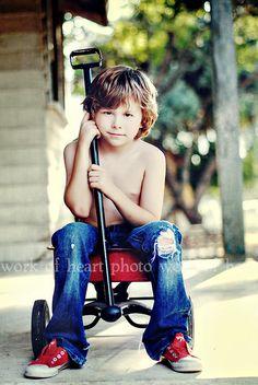wagon photo ideas, wagons for kids, wagon photography, red wagon, wagon pictures, wagon picture ideas