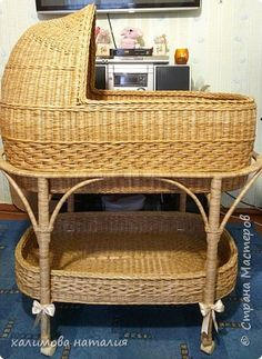 Brooms And Brushes, Bamboo Lamp, Cool Kids Bedrooms, Large Baskets, Storage Baskets, Basket Weaving, Bassinet, Wicker, Chair