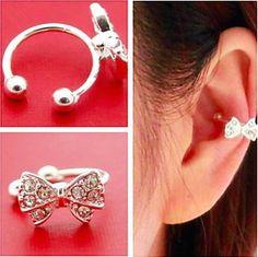 Crystal bow ear clip