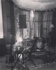 First time recording a live EP this evening rocking out at YWAM in Paisley #live #music #ep #liveworshipep #allanmackinleymusic #recording #fairylights #ywam #candles by eilidh_rhona http://bit.ly/dtskyiv #ywamkyiv #ywam #mission #missiontrip #outreach