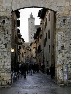 San Gimignano, Italy ... would love to visit