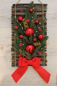 Office Christmas Decorations, Christmas Centerpieces, Christmas Crafts For Kids, Christmas Projects, Simple Christmas, Holiday Decor, Christmas Tree Wreath, Christmas Frames, Christmas Signs