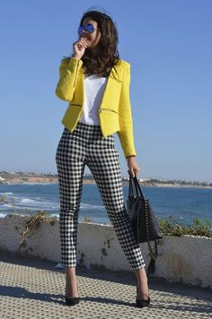 The best street style inspiration and more details that make the difference - Street Fashion Trends and Beauty Tips Business Professional Outfits, Professional Dresses, Business Casual Outfits, Office Outfits, Formal Casual Outfits, Professional Women, Business Dress Code, Business Dresses, Business Wear