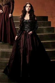 Reign Dresses, Royal Dresses, Isabel Tudor, Reign Season, Marie Stuart, Reign Mary, Reign Fashion, Pretty Prom Dresses, Medieval Dress