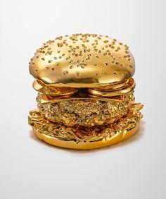 Arndt Von Hoff's golden hamburger. Photographed by Thomas Hannich.