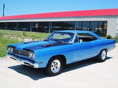 """The very popular Camrao A favorite for car collectors. The Muscle Car History Back in the and the American car manufacturers diversified their automobile lines with high performance vehicles which came to be known as """"Muscle Cars. Old Muscle Cars, American Muscle Cars, 1969 Plymouth Gtx, Plymouth Muscle Cars, Automobile, Michigan, Ford, Sweet Cars, Hot Cars"""