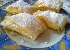 Túrós rétes réteslapból Hungarian Recipes, Strudel, Cornbread, Dessert Recipes, Food And Drink, Dairy, Cheese, Meals, Cooking
