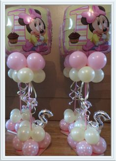 rosielloons Minnie Mouse Birthday Theme, Mickey E Minnie Mouse, Minnie Mouse Balloons, Minnie Mouse Decorations, Minnie Baby, Birthday Balloons, 1st Birthday Parties, Balloon Table Decorations, Balloon Centerpieces