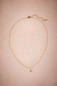 Perle Pendant Necklace