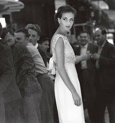 Gitta Schilling in a dress by Jean Patou, photo by F.C. Gundlach, Paris 1962