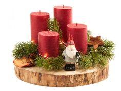 Schöne Weihnachtsdeko für dein Zuhause: Dieses Set enthält eine runde Holzscheibe, rote Kerzen, Tannenzweige, einen Wichtel aus Porzellan und mehr.Die Holzscheibe hat ca. einen Durchmesser von 25 cm. Maße beziehen sich auf das verpackte Deko-Set.Material: Zwerg: Porzellan, Kerze: Wachs mit Baumwolldocht, Tannenzweige: Kunststoff, Zimtstangen: Zimt, Apfelscheiben: getrocknetMarke: NANU-NANA Christmas Advent Wreath, Christmas Candle Decorations, Wall Christmas Tree, Advent Candles, Christmas Wood Crafts, Christmas Plates, Christmas Time, Diy Art Projects, Natural Christmas