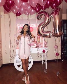 Most recent Photographs Birthday Decorations Thoughts You don't have to use an enclosed artist to manufacture a large report pictures subsequent party. 21st Bday Ideas, 21st Birthday Decorations, 21st Birthday Cakes, 23rd Birthday, Birthday Party Themes, Birthday Cards, Diy Birthday, Birthday Messages, 21st Birthday Ideas For Girls Turning 21