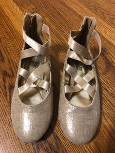 16d9d000c44c Nine West Kids Feliciah Light Gold Scratched Metallic girls dress shoes  size 2 M  fashion