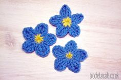 Today is the last -day of my Free Crochet Flower Pattern a Day Challenge. I was working very hard for the whole week to create all those free crochet flower patterns for you and I hope you wil… Crochet Small Flower, Unique Crochet, Crochet Flower Patterns, Flower Applique, Crochet Motif, Irish Crochet, Crochet Designs, Crochet Flowers, Free Crochet