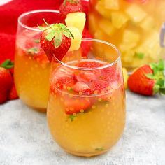 Try this Sparkling Pineapple Strawberry Punch for your next party! Sweet pineapple juice is paired with bubbly ginger ale, fresh fruit and mint for a refreshing non alcoholic punch! non alcoholic drinks Sparkling Pineapple Strawberry Punch Alcoholic Punch Recipes, Drink Recipes Nonalcoholic, Non Alcoholic Cocktails, Drinks Alcohol Recipes, Summer Cocktails, Non Alcoholic Drinks With Ginger Ale, Non Alcoholic Fruit Punch, Fruit Drinks, Healthy Drinks
