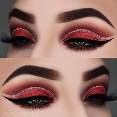 Still searching for the perfect #ValentinesDay eye look? Look no further! @julsxbeauty used #VENUS for this lovely V-Day look! ❤