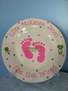 Personalized+Ceramic+Baby+Plate can make these your self using the baking method, get a plate from dollar tree and use a sharpie. bake at 300 for mins Pottery Painting, Ceramic Painting, Vinyl Crafts, Vinyl Projects, Craft Gifts, Diy Gifts, Crafts To Make, Crafts For Kids, Painted Plates