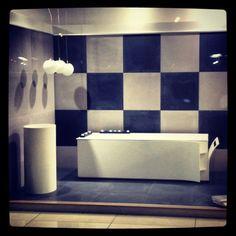 Δημιουργίες των εκθέσεων μας στην Ανθούσα, Πειραιά και Χαϊδάρι. Μπάνιο Ανθούσας. Μάθετε περισσότερα στο www.kypriotis.gr - #kypriotis #kipriotis #plakakia #plakidia #anakainisi #athens #ellada #greece #hellas #banio #dapedo Bathtub, Bathroom, Home, Standing Bath, Washroom, Bathtubs, Bath Tube, Full Bath, Ad Home