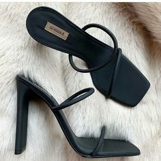 New Style Outfits Classy Shoes Ideas Cute Shoes, Me Too Shoes, Crazy Shoes, Sock Shoes, Trendy Shoes, Casual Shoes, Casual Outfits, Easy Style, Trendy Style