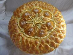 Pastry And Bakery, Bread And Pastries, Pie Crust Designs, Bread Recipes, Cooking Recipes, Bread Shaping, Bread Art, Braided Bread, Artisan Bread