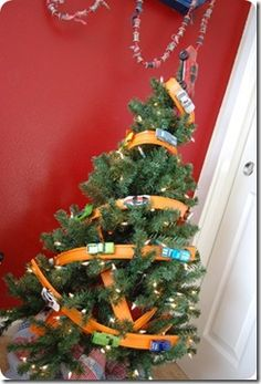 Not So Random Stuff - hot wheels track Christmas tree - featured Today's Creative Blog 2009