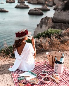 Picnic Photography, Creative Photography, Wedding Photography Poses, Picnic Date, Beach Picnic, Romantic Picnics, Romantic Dinners, Picnic Pictures, Picnic Fashion