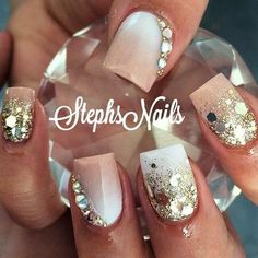 These are really pretty for short acrylic nails Fancy Nails, Pretty Nails, Gold Glitter Nails, Creative Nails, Wedding Nails, Toe Nails, Nails Inspiration, Beauty Nails, How To Do Nails